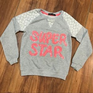⚠️3/15$⚠️ - Super star girl's sweater